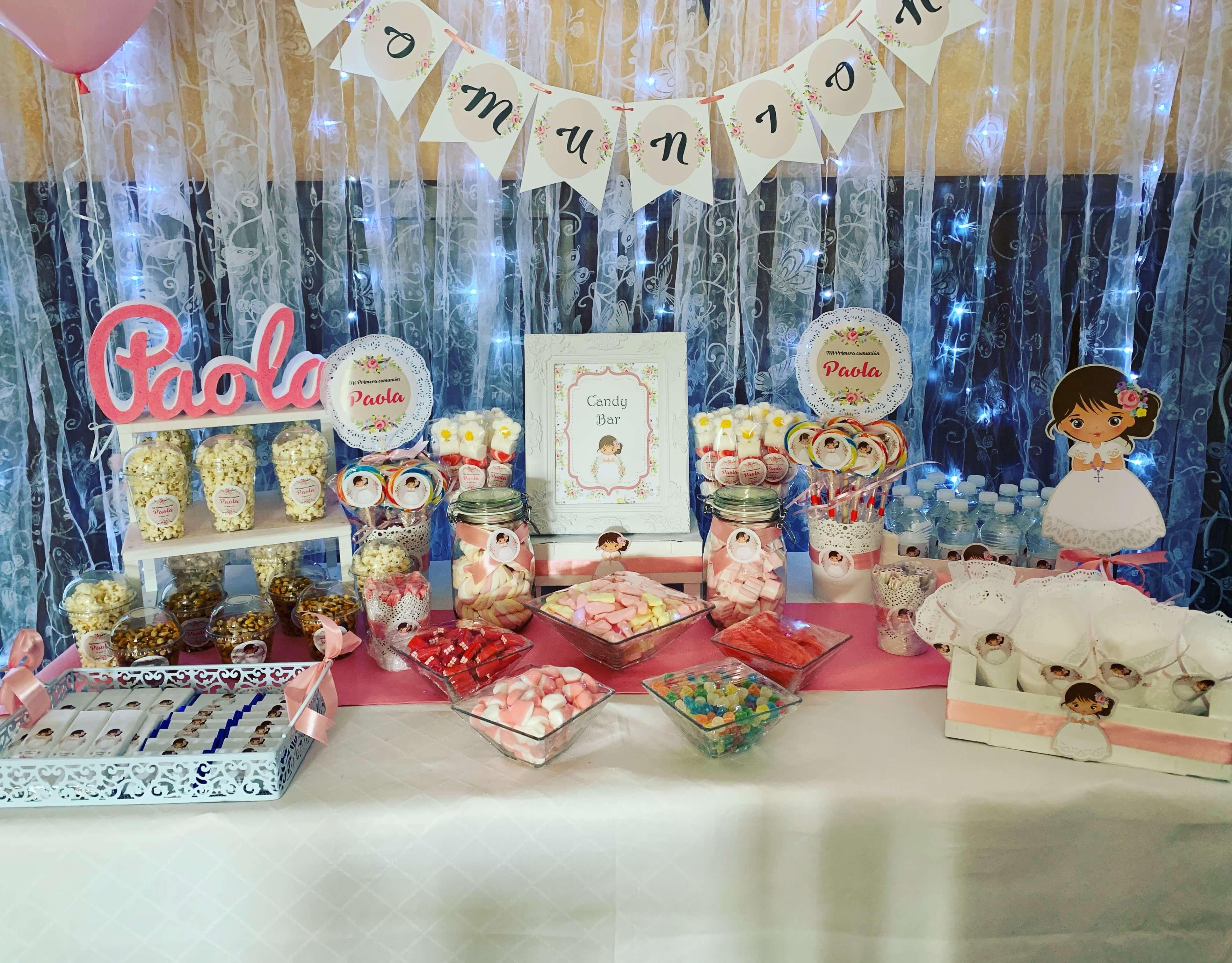 Mesas dulces comunión niña