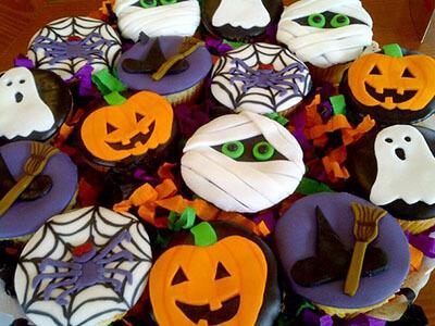 Dulces decorados noche de halloween