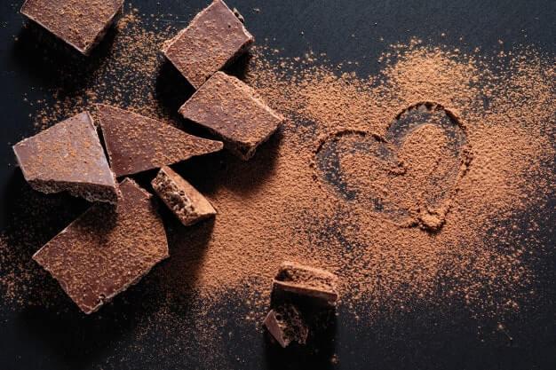 El chocolate siempre nos hará feliz y esta foto lo representa con un corazón